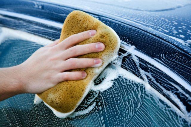Como manter o carro a brilhar todo o ano